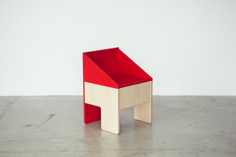 2-dollhousechair_04_Akihiro_Ito